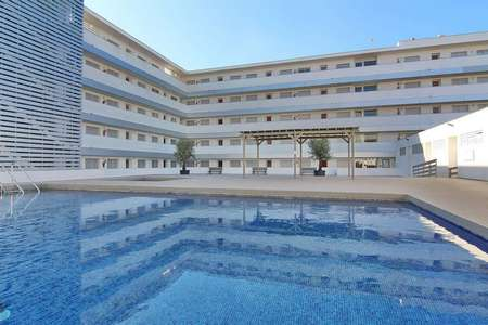 Apartment with pool located a few meters from the beach.