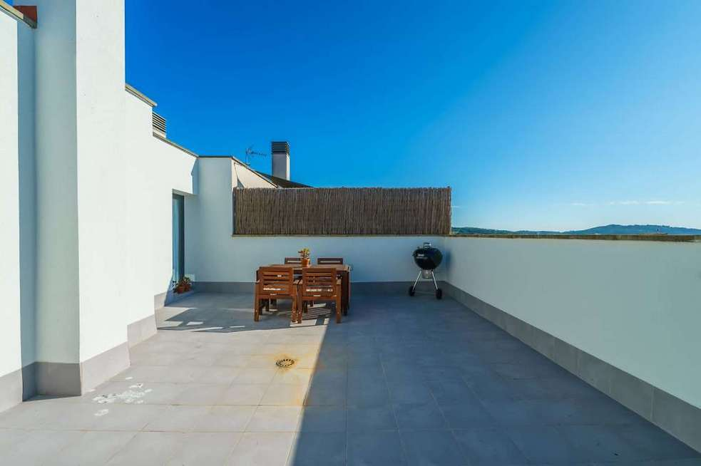 Exclusive penthouse-duplex in Palafrugell with parking and storage room.
