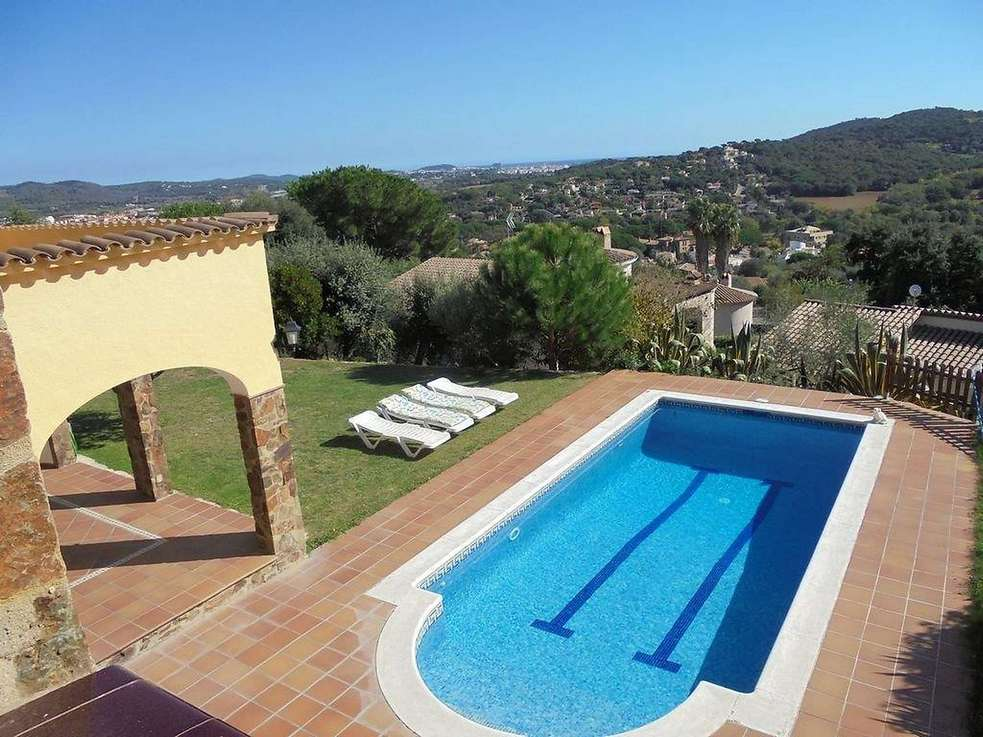 4 bedrooms villa with panoramic sea views in Calonge
